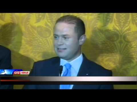 Joseph Muscat jieħu l-ġurament bħala s-seba Prim Ministru ta' Malta indipendenti