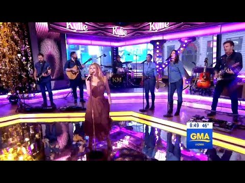 """Kylie Minogue Performs """"Dancing"""" (Live GMA)"""