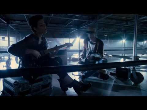 Roadies - Halsey & Wes (Machine Gun Kelly) Acoustic of Hold Me Down
