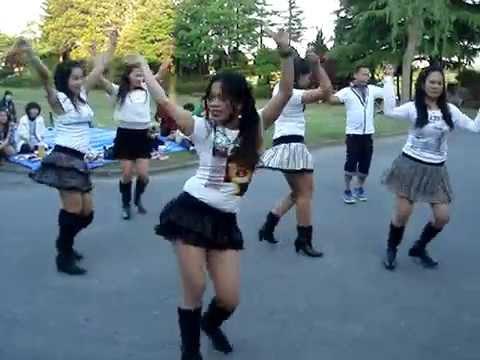 CHIQUITA DANCERS by:LORGIE