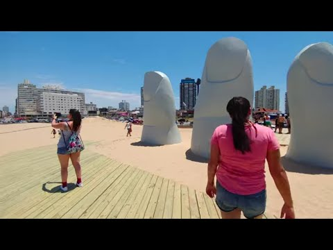 Fingers Sculpture Punta del Este beach in Uruguay 4K - LG V20 on DJI OSMO Mobile Wide angle camera