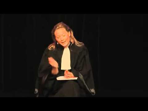 Caroline Vigneaux quitte la robe - YouTube
