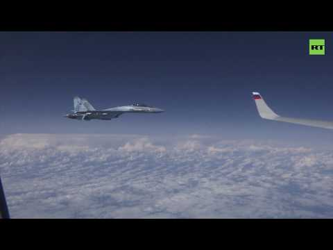 Российские Су-27 оттеснили истребитель НАТО от самолёта Шойгу