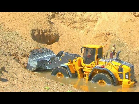 HEAVY RC MACHINES AT THE BIG STONE MINE! STRONG VOLVO EQUIPMENT! RC LIVE ACTION