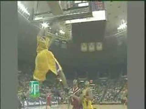 Tyrus Thomas sick dunk!