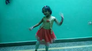 Fhyoladia Song Dance by Akashi Bisht 5 year old girl
