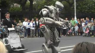 Robot at Street Performer