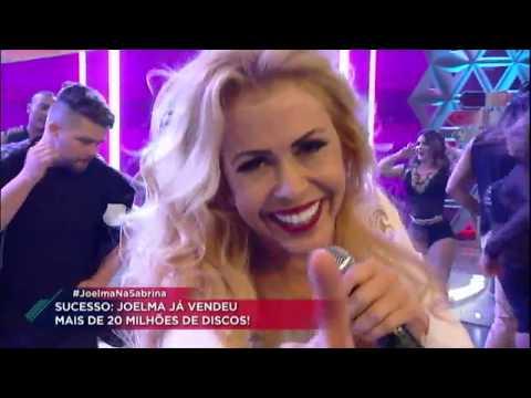 Joelma canta os seus sucessos e agita a plateia do Programa da Sabrina