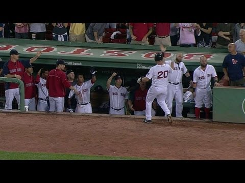 DET@BOS: Lavarnway's double overturned as home run