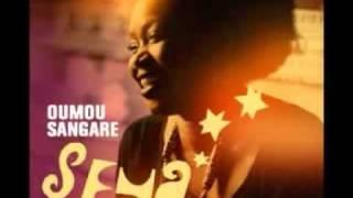 OUMOU SANGARE - Iyo Djeli