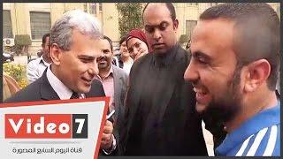طالب لرئيس جامعة القاهرة: عايزين7 كيلو لبن بالكلية.. و