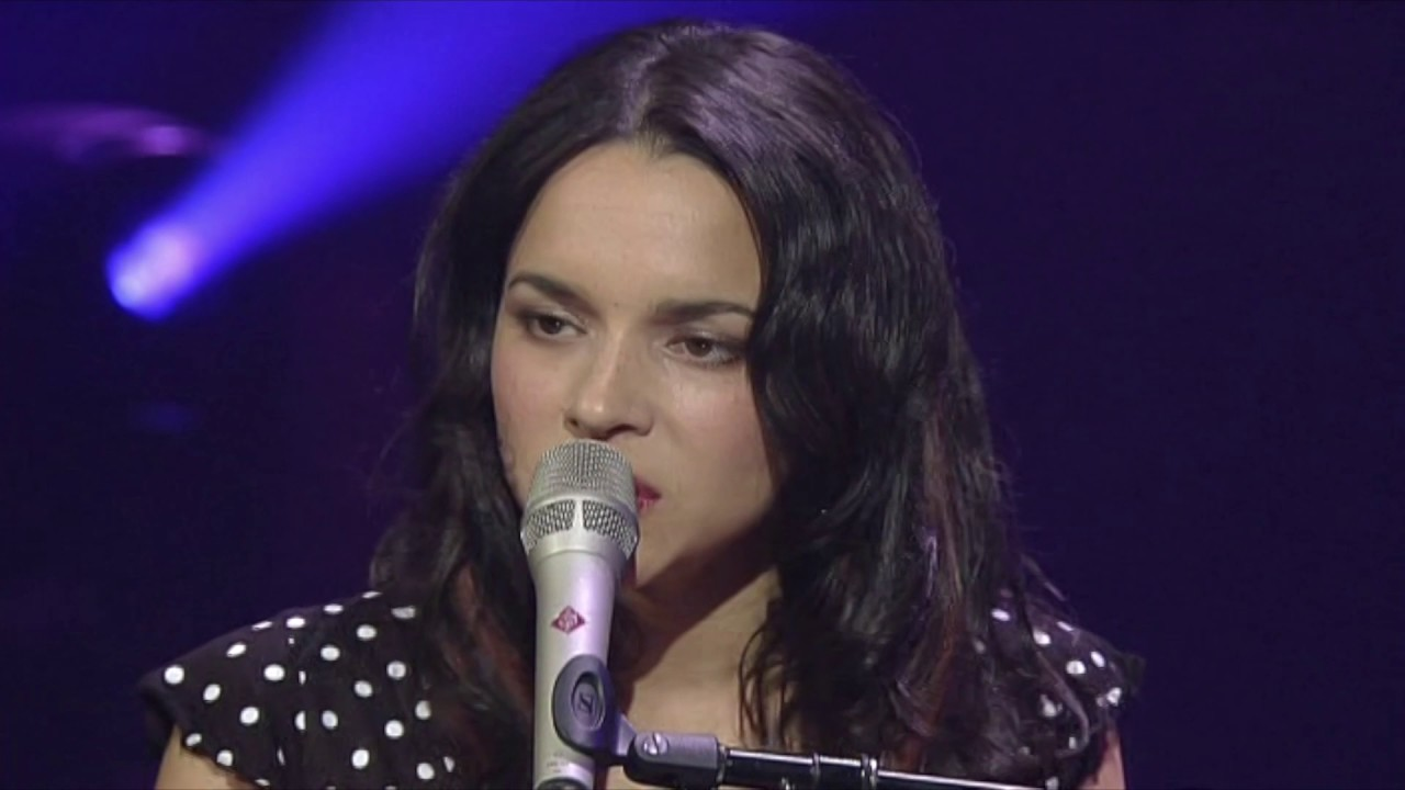 norah jones those sweet words Video for those sweet words by norah jones watch those sweet words in the style of norah jones video for a preview of this backing track the audio file used in this video is an mp3 render of the hit trax midi file backing track.