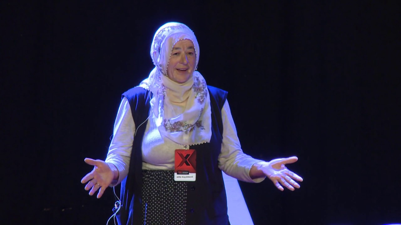 Kitaplar ve Sevginin Gücü | Afife KÜÇÜKBENLİ | TEDxAnkara