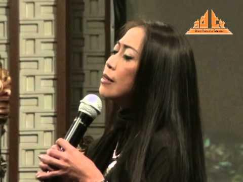 Mantramku (Gayatri Mantram) - Trie Utami @ Bank Indonesia (30 Thn Peradah Indonesia)