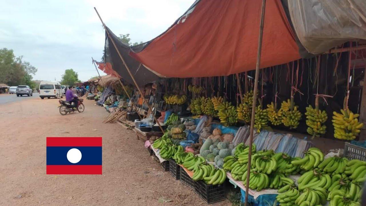 ตลาดทุ่งนามี เมืองปากกะดิง สปป.ลาว ตลาดริมทางลาวสูง