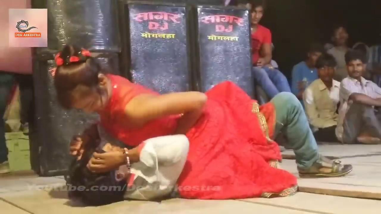 Download तानी लहँगा उठा के चुम्मा ले ल राजा जी #Bhojpuir Stage Show With Beautiful Nepali Dancer