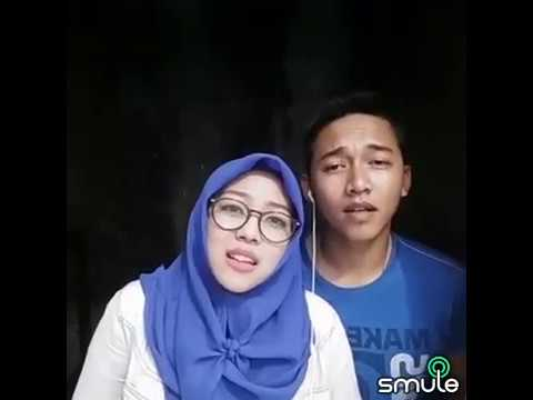 Cover lagu payung teduh - akad dinyanyikan sepasang kekasih di Smule di akun diidiiricky jadi viral