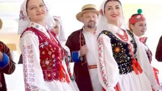 Polish folk music and costumes