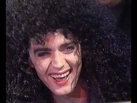 Garry Lyon sings Cher - 1990 Melbourne Demons Celebrity Variety Concert  - AFL