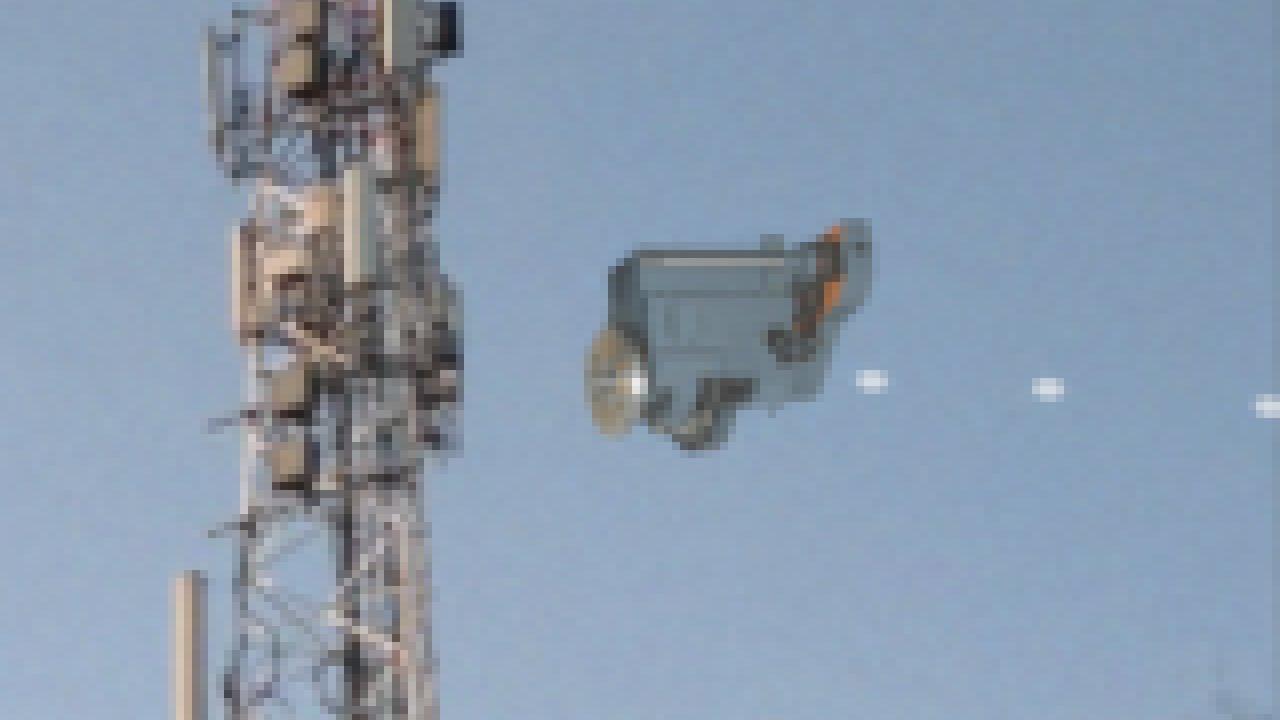 HUGE ALIEN UFO BEAMING SOMETHING!!! GREAT FOOTAGE 2021!!