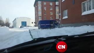 Обычная разгрузка посылок «Почтой России» в Сургуте