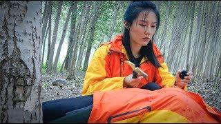 两个闺蜜去野外露营,结果遇见了自己的尸体,随后进入了一种死循环!