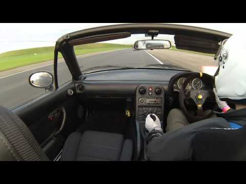 MX5 supercharged v. na at Bedford Autodrome trackday