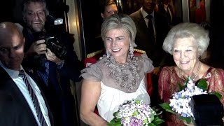Prinses Beatrix bij jubileumavond Paul van Vliet.