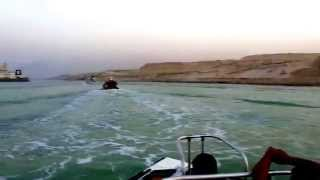 Enter the night in the new Suez Canal in May 2015