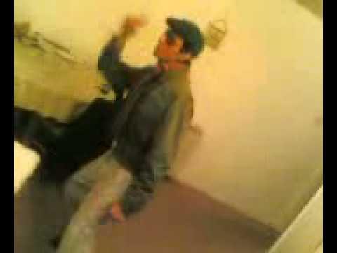 Funny Bollywood ( MERE SAPNON KI RANI) comedy Dancing 2006