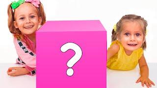 Майя играет с семьёй в челлендж Что в коробке и многое другое