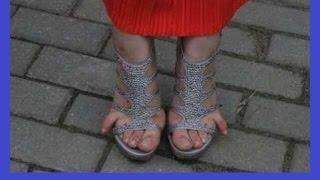 Смешные приколы с девушками на каблуках (лабутенах).