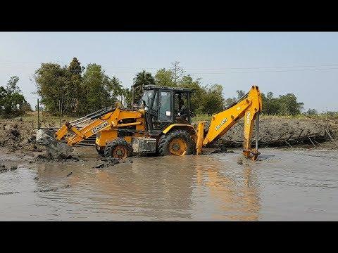 JCB Dozer Working in Pond - JCB VIDEO 3