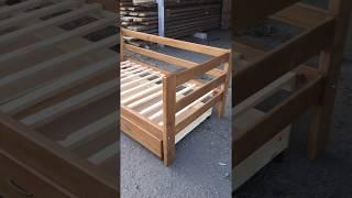 Кровать из массива с ящиками( краткий обзор)