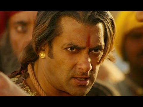 Salman Khan does the fight for life - Bollywood Movie Scene - Veer