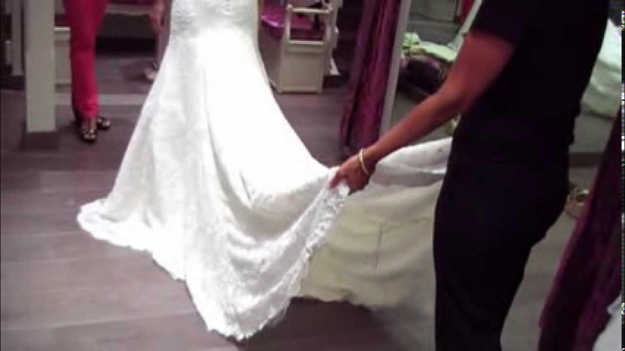 70b8c2cdf Dar vuelo a la cola del vestido de novia - YouTube