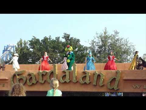 Gardaland Entrance song & dance