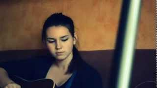 Очень красивая девушка ,красиво поет (Бумбокс-Вахтерам)