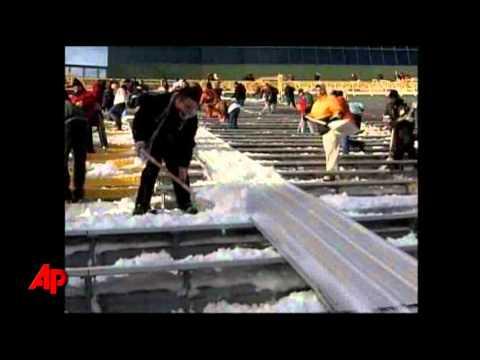 Raw Video: Lambeau Field Gets Shoveled Out