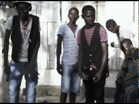 Staff Youck - Vai lhe stragar 2012 - Angola