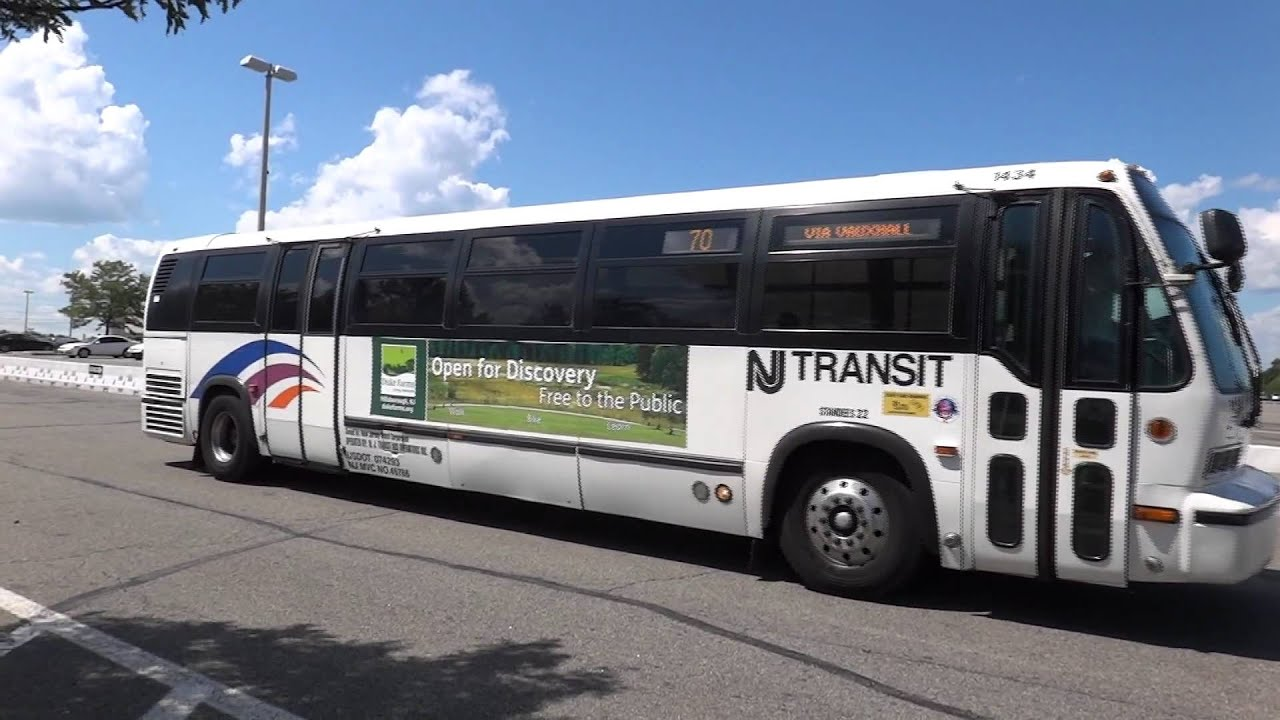 nj transit bus novabus rts 06 1392 and 1434 on the 73 and 70 at livingston mall youtube. Black Bedroom Furniture Sets. Home Design Ideas