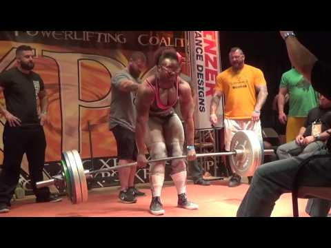 Crystal Tate Becomes First Woman to Deadlift 600lbs Raw at