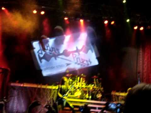 Judas Priest Breaking the law live Brasilia 2011