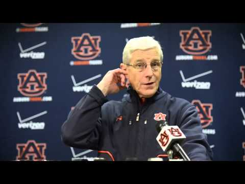 Auburn Defensive Coordinator Ellis Johnson discusses defensive woes