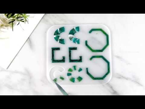 How to make a DIY resin earing with Let's Resin Mold
