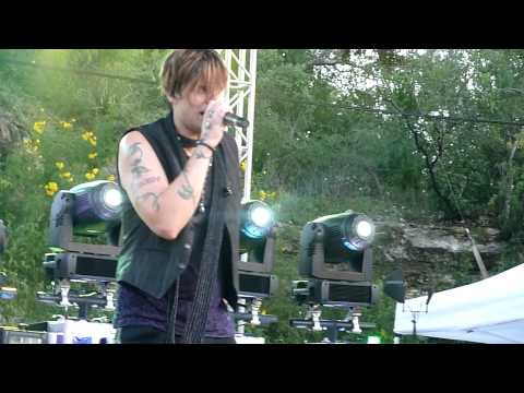 Hinder - Get Stoned @ Sunken Gardens Theater - San Antonio, TX