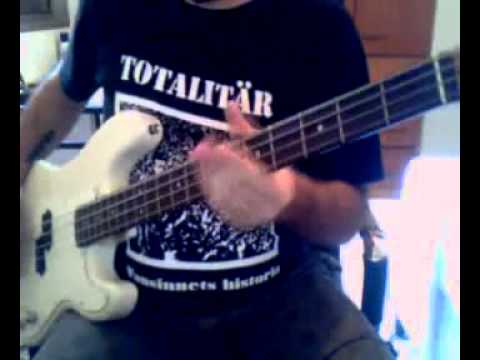 Dead Kennedys - Drug Me (bass cover)