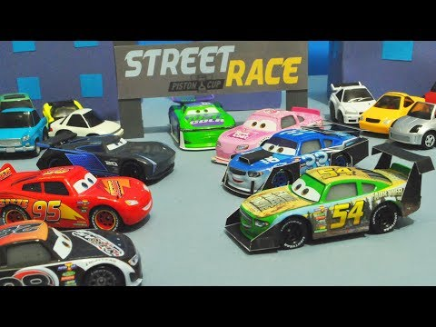 Disney Cars 3 : Street Piston Cup Racers! - StopMotion