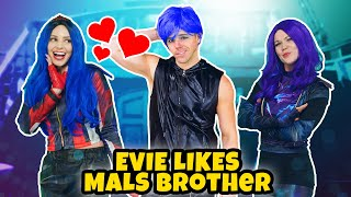 Baixar DESCENDANTS 3 EVIE LIKES MAL'S BROTHER. Queen of Mean Audrey Tricks Mal and Ben  Totally TV Original