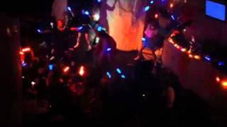 対リア充 伝説の芸団 星砕きプロメテオルがベールを脱ぐ 圧巻熱狂のステージ DIX AZABUを占拠.